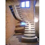 Лестница бетонная косоурная фото