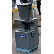 Машина начиночная Б4-ШМН для подачи начинки внутрь карамельного батона призв-ть 850 кг/час фото