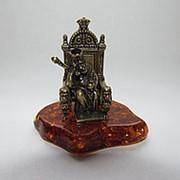 """Фигурка """"Царь на троне"""" (латунь, янтарь прессованный) фото"""