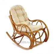 Кресло-качалка из ротанга фото