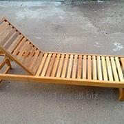 Лежаки-шезлонги деревянный для отдыха фото