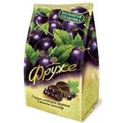 Конфеты ФРУЖЕ Черная смородина фружеле в темном шоколаде, 380г фото