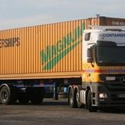 Перевозки контейнеров контейнеровозами фото