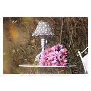 Лампа в серый горох с белым основанием фото