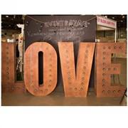 """Фото-зона """"LOVE"""" фото"""