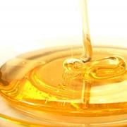 Мёд сахарный янтарный фото