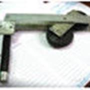 Механизм прижатия троса к барабану лебёдки фото