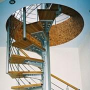 Монтаж интерьерных, чердачных лестниц фото