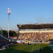 Строительство футбольных полей с искусственным газоном фото