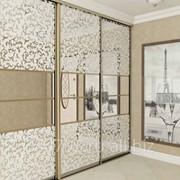 Шкаф купе с декорированным стеклом №1 фото