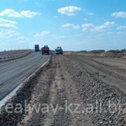 Строительство автострад, дорог, взлетно-посадочной полосы. фото