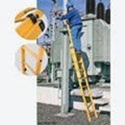 Диэлектрическая двухсекционная выдвижная лестница 2х14 ступеней из стекловолокна 817662 фото