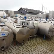 Танкеры для хранения и охлаждения молока фото