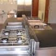 Нейтральное оборудование и инвентарь для баров, кафе, ресторанов, супермаркетов, гипермаркетов, пищевых предприятий; оборудование для приготовления пищи на живом огне фото