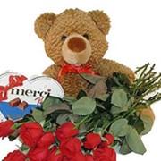 Медвежонок с подарками фото