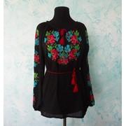 Вышиванка на черном шивоне цветочная фото