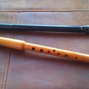 Обучение игре на музыкальном инструменте сопилка. фото