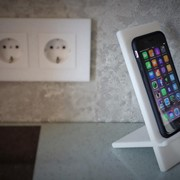 Подставки из искусственного акрилового камня для телефонов фото