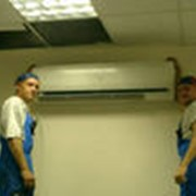 Монтаж систем кондиционирования воздуха. фото