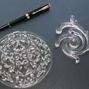 Гравировку различных неметаллических материалов: акрила. фото