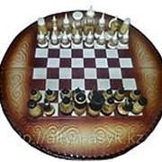 Шахматы из натуральной кожи с тиснением казахского национального орнамента фото