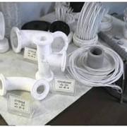 Изделия из фторопласта предназначены для эксплуатации в агрессивной среде при температуре от минус 60 0С до плюс 150 0С, а также если имеются повышенные требования к чистоте рабочей среды. фото