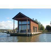 Дом на воде фотография