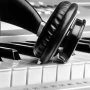 Дикторские голоса для аудиороликов, вокалисты, детские голоса для рекламы фото