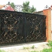 Ворота металлические распашные на заказ фото