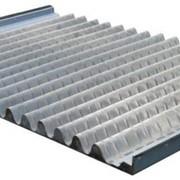 Изготовление кассет ситовых для различных типов вибросит отечественного производства, а также многих зарубежных аналогов; в том числе различных видов каркасных, натяжных плоских и пирамидальных ситовых панелей. фото