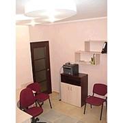 Аренда постоянного рабочего места в офисе бизнес-класса с мебелью, техникой, интернетом фото