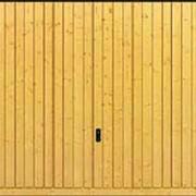 Гаражные подъемно-поворотные ворота Berry деревянный мотив 934 из северной ели и из пихты Hemlock фото