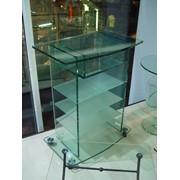 Стеклянный стол с полками фото