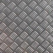 Алюминий рифленый и гладкий. Толщина: 0.5-5мм. Листы:1.2х3.0, 1.5х3.0м. Резка в размер. Арт: 1550 фото