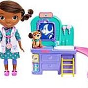 Игровой набор Доктор Плюшева - Doc McStuffins Pet Vet Talking Doll Care Clinic фото