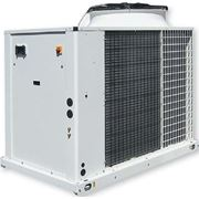 Чиллеры и тепловые насосы с воздушным охлаждением конденсатора Systemair AQH 40–75 фото