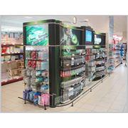 Торговый стеллаж Gillette в супермаркете фото