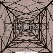 Монтаж оцинкованных опор линий электропередач (ЛЭП) фото