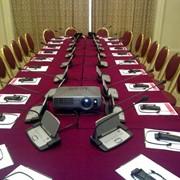 Аренда оборудования для проведения конференций: микрафоны, синхрон, проекторы фото