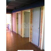 Работы по установке и отделке окон и дверей фото