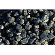 Уголь крупный орех. Как вид топлива уголь до сих пор остается одним из самых эффективных в том числе и экономически. фото