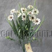 Ветка декоративная 36 см с белой ромашкой 570182 фото