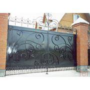 Ворота распашные кованые фото