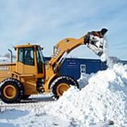 Механизированная уборка и вывоз снега. фото