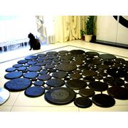 Ковры (кожаныемеховые)  подушки покрывала - интерьерный дизайн фото