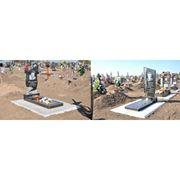 Изготовление памятников и Укладка тротуарной плитки у памятника. Установка противоусадочных плит фото