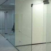 Изготовление, монтаж цельностеклянных конструкций | Sokolglass фото