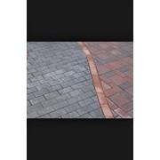 Укладка тротуарной плитки,паребриков,бордюров фото