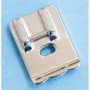 Лапки для швейных машин Лапка для вшивания шнура фото