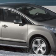 Кроссовер Peugeot 3008 фото